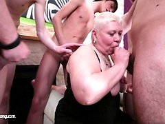 Famous mature porn star gets brave enough for a gangbang