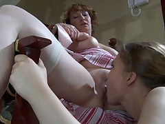 Flo&Alana pussyloving mature on video