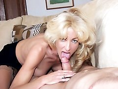 Blonde MILF Lexi Carrington