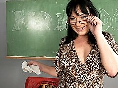 horny mature teacher getting a good workout